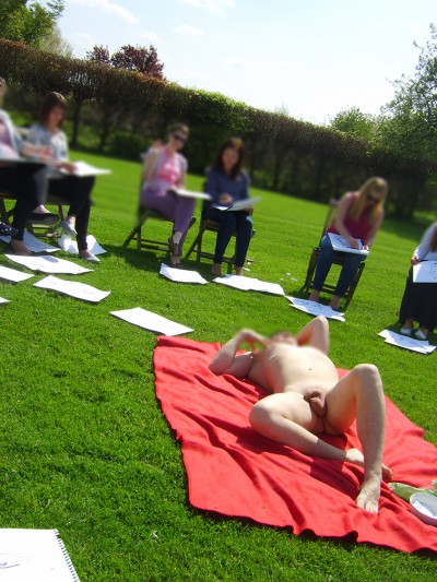 Life drawing outside in the sunshine on the grounds of a beautiful house in Herefordshire